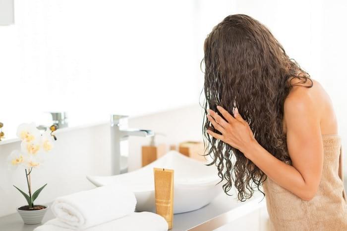 Как мыть кудрявые волосы