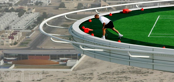 Высокий теннис для высокопоставленных постояльцев