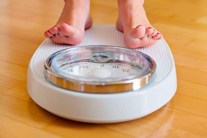 Как не набрать вес во время приема гормональных средств