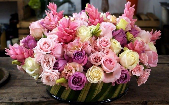 Сколько цветов принято дарить
