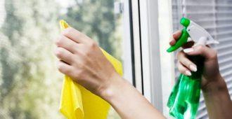 Как правильно помыть окна без разводов: советы домохозяек