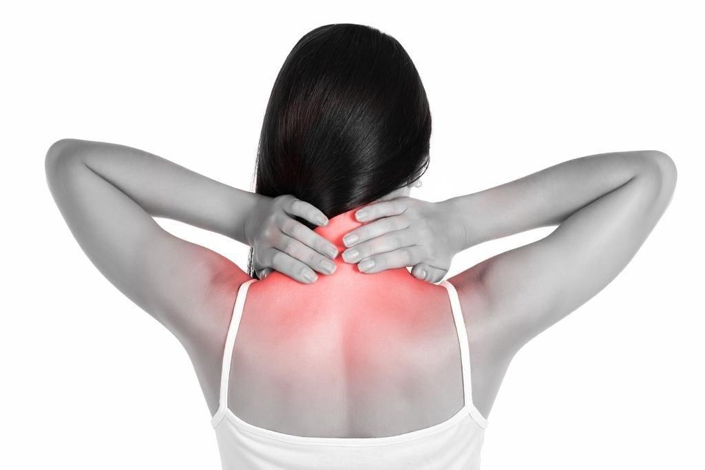 Воротниковая зона спины: избавляемся от холки с помощью упражнений, массажа и диеты