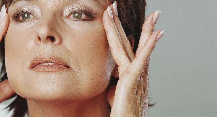 Подтяжка лица без операции после 50 лет