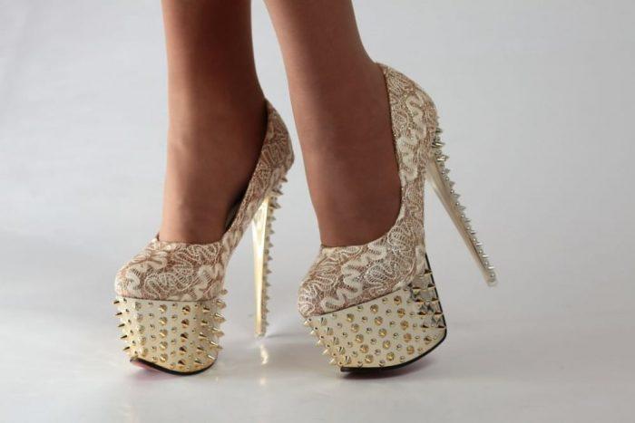 Ношение каблуков