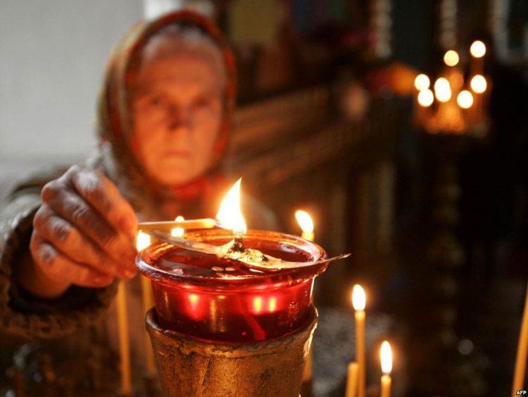 Как правильно ставить свечу