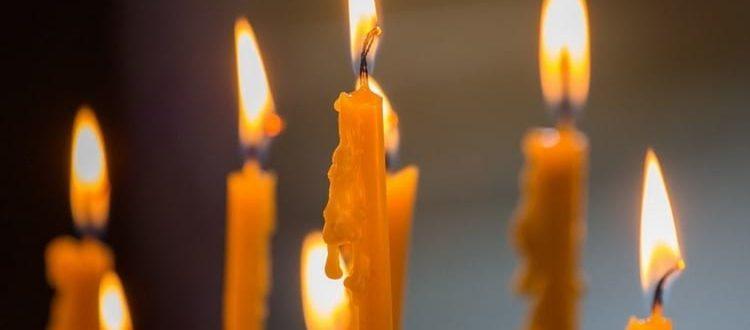 Как ставить свечи за здравие в церкви