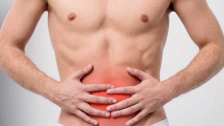 Боли в животе у мужчин могут быть из-за камней в предстательной железе