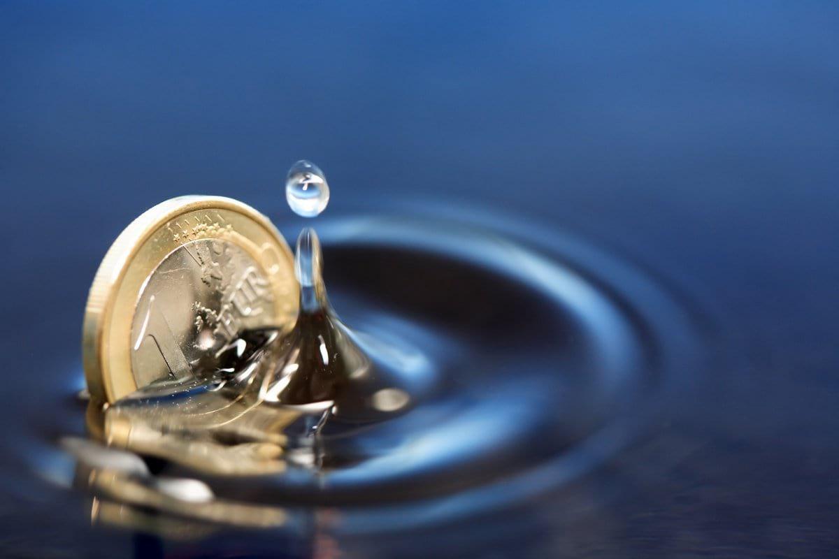 Техника стакан воды куда девать бумагу. Исполнение желаний с помощью воды