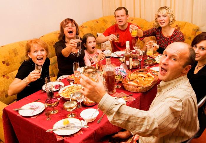 Празднование юбилея дома