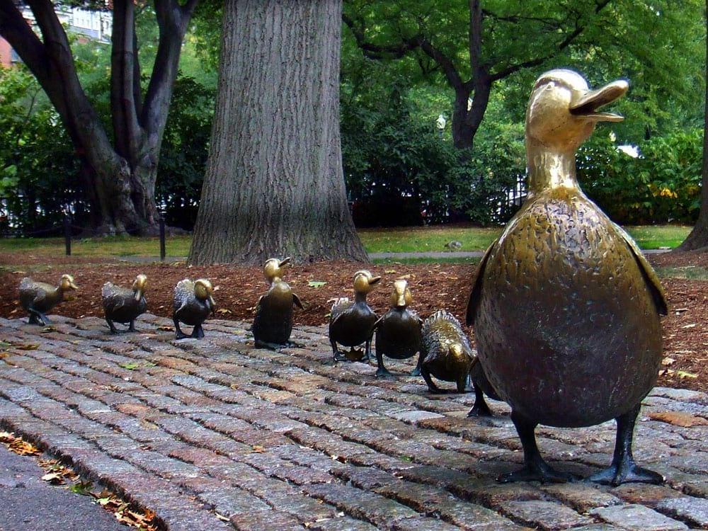 Самые известные памятники животным со всего мира