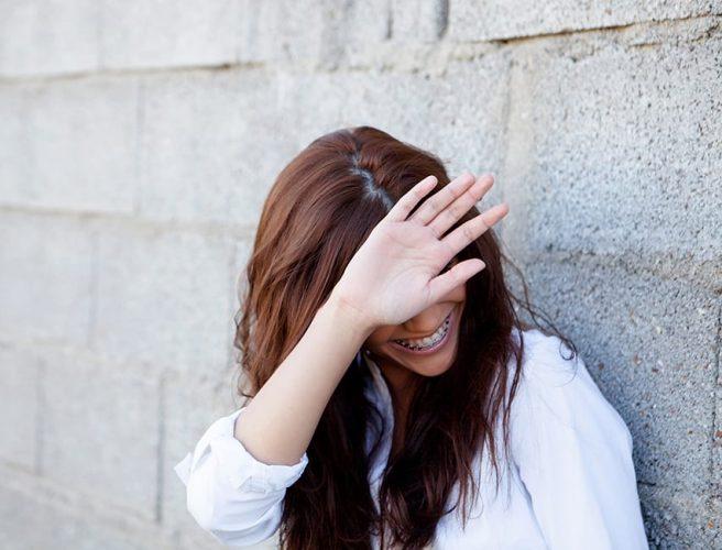Почему возникает стеснительность и неуверенность в себе