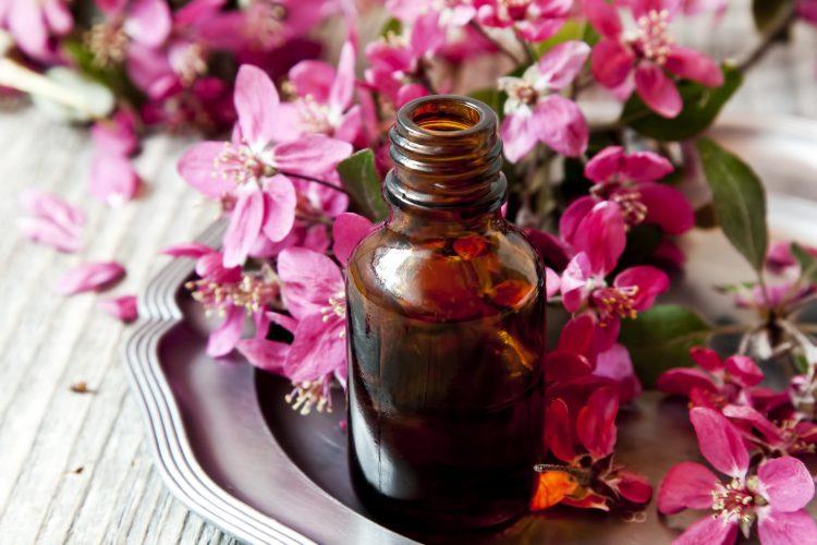 Масло герани от насморка и ОРВИ, как болеутоляющее, при давлении, для лица и волос
