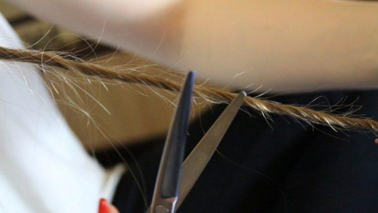 Как состричь секущиеся кончики волос