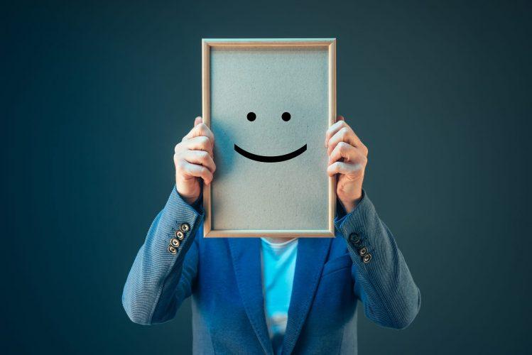 Оптимисты любимчики общества