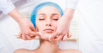 Как делают чистку лица у косметолога