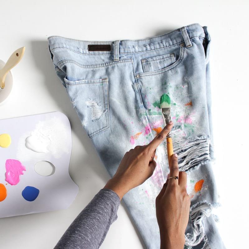 Как сделать модные boyfriend-джинсы?