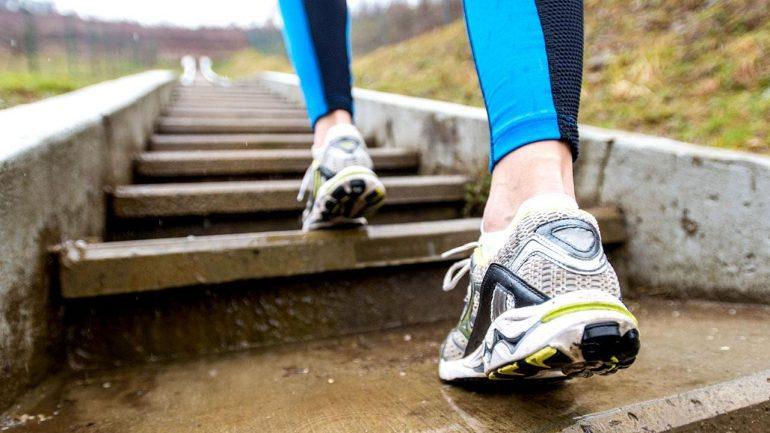 Для тренировок возьмите удобную обувь