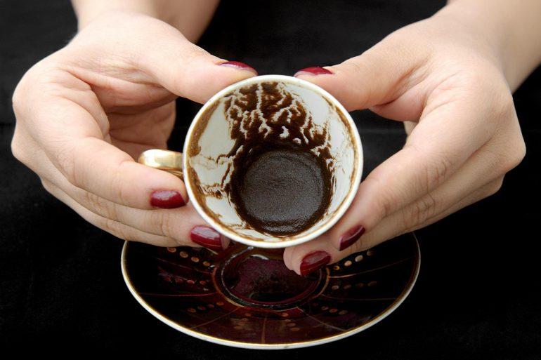 Как правильно гадать на кофейной гуще в домашних условиях