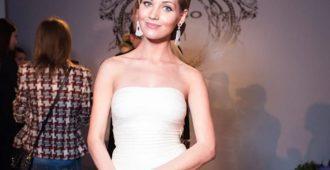 Кристина Асмус в белом