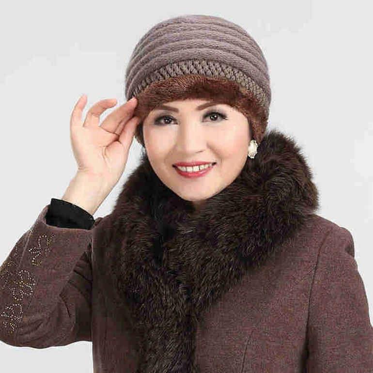 зимние шапки для женщин после 50 стильные модели советы