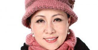 Модели модных зимних шапок для женщин после 50 лет