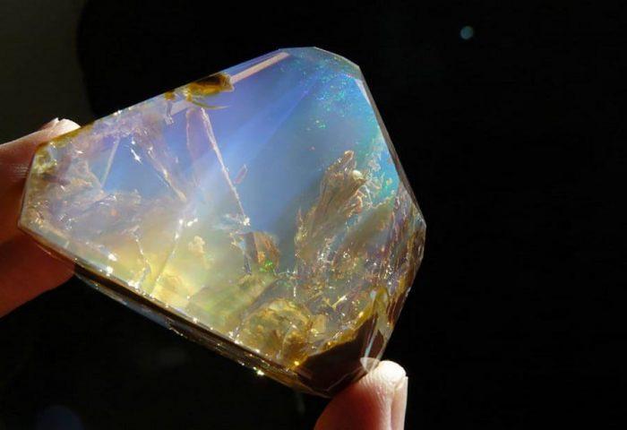 Красивейший минерал опал