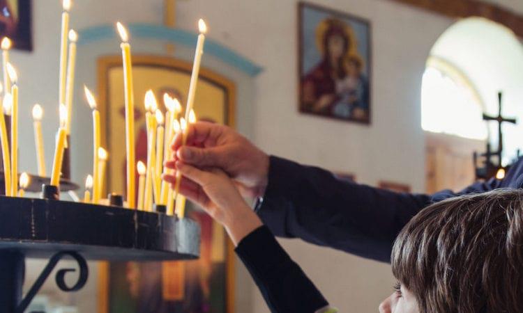 Свеча за упокой некрещенного или самоубийцы