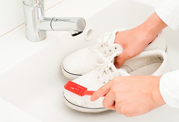 Подготовка кроссовок к стирке в машинке