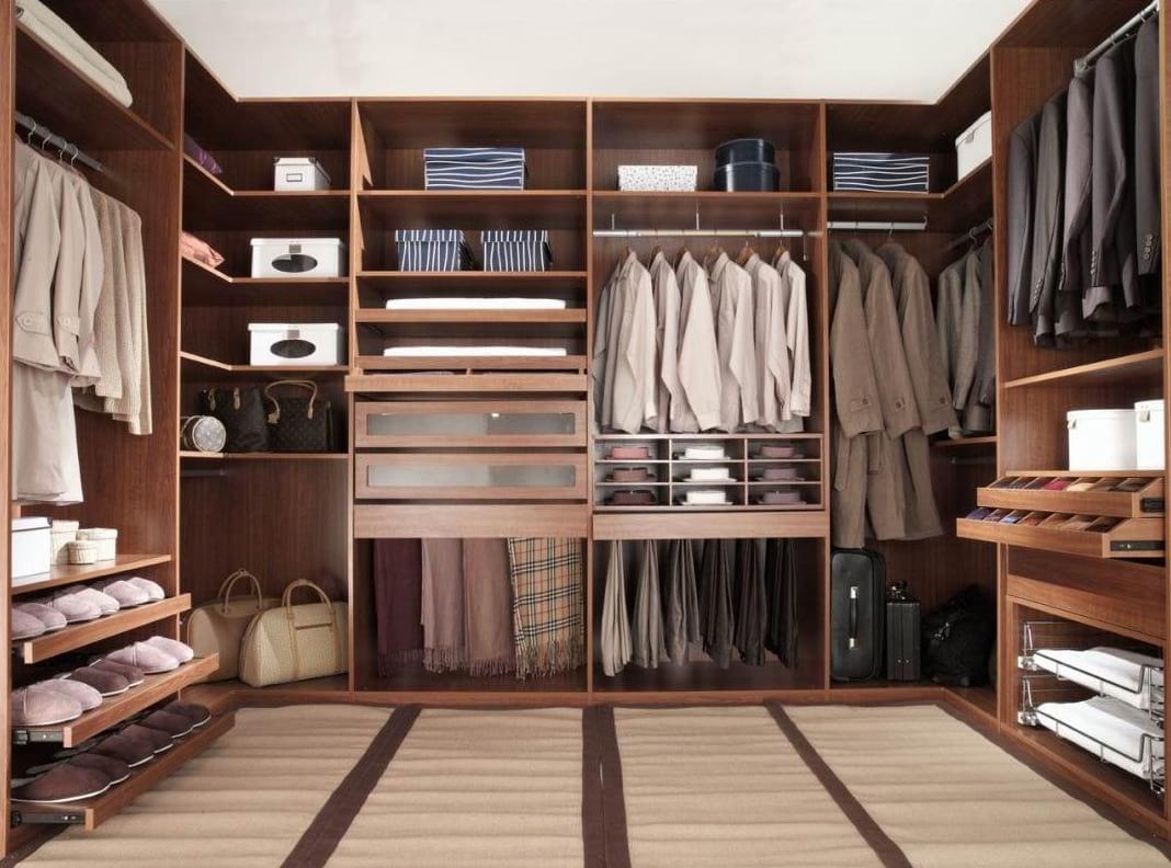 Правила наведения идеального порядка в шкафу с одеждой