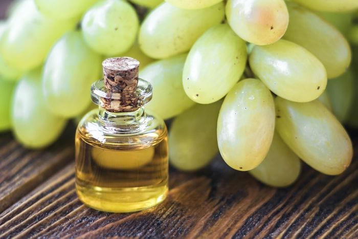 Чем полезно масло виноградных косточек