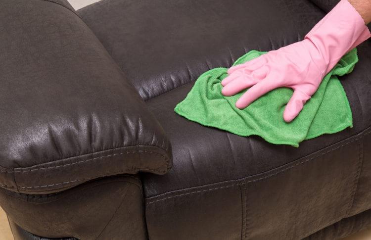 Как отмыть от зеленки мягкую мебель