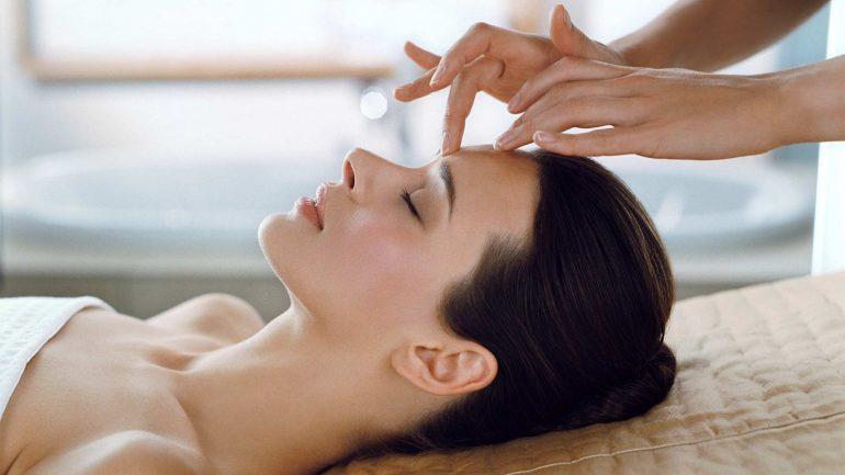Помогает ли массаж лица от морщин и что делать с возрастом