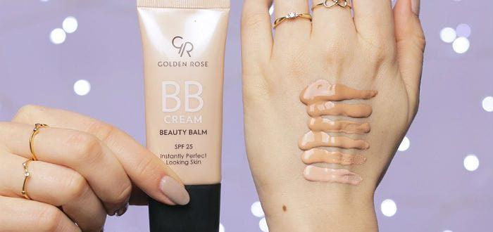 тональный крем ВВ, нанесенный на кожу руки
