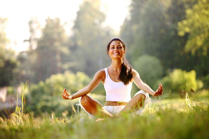 Польза йоги для женщин: особенности практики, упражнения